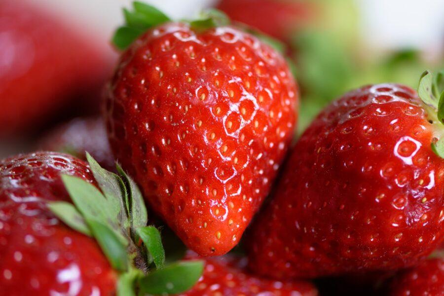 strawberries-4330211_1280